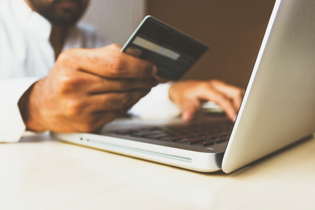 A wave of refunds, fraud, and chargebacks hit the e-commerce industry